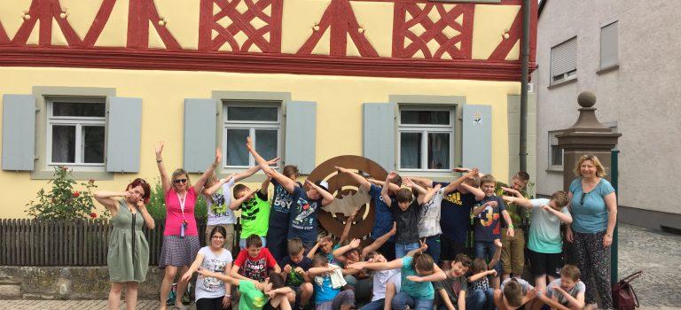 Flatterhaus empfängt Schulklasse