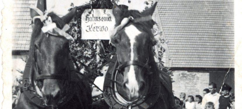 Historische Bilderschau und Platzkonzert