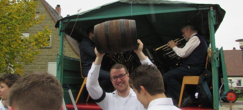 Hellmitzheim feiert seine Gold-Kärwa